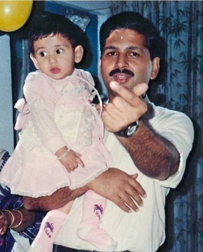 nikita dutta childhood photo