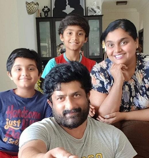ravishankar gowda family