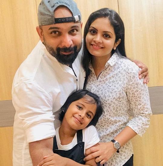 gayathri arun family