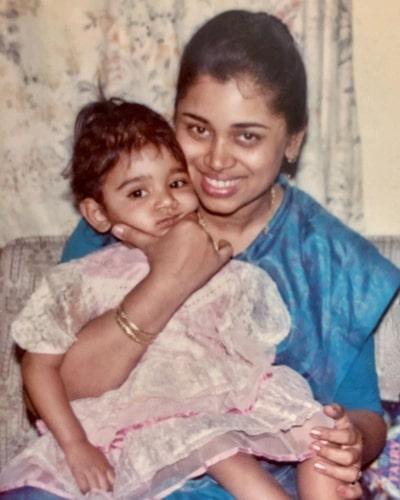 sanjana ganesan childhood photo
