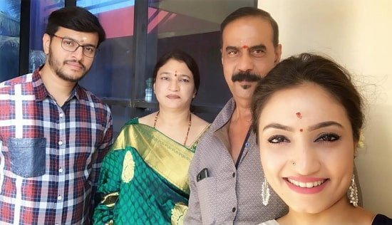vaishnavi gowda family