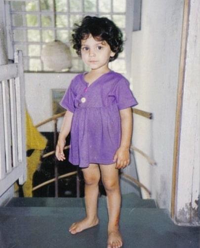 saiyami kher childhood photo